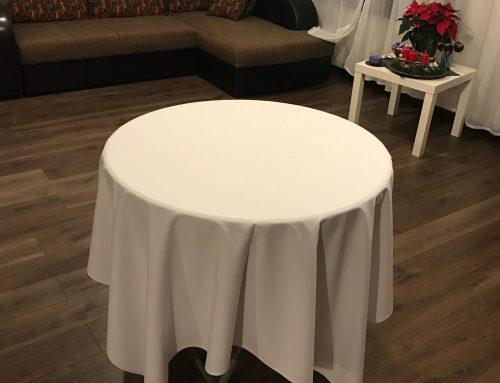 Apaļo galdu galdautu noma